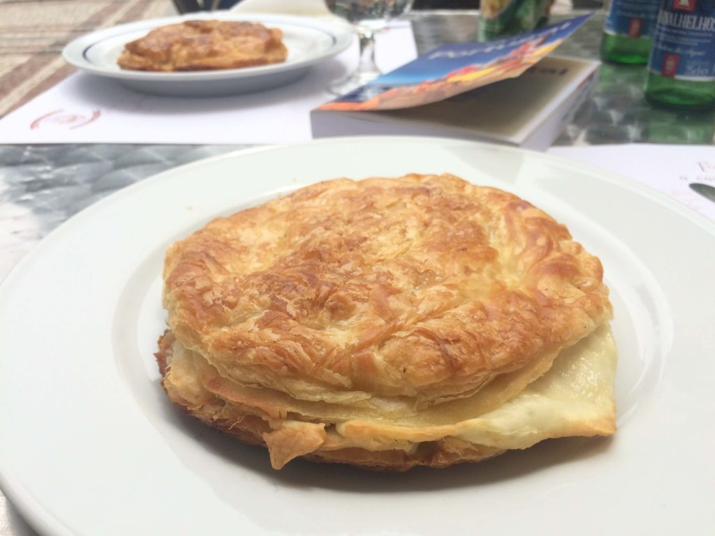 A traditional frigideira